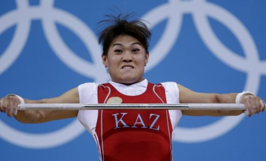 Svarcēlāja Maija Manezi atnes Kazahstānai vēl vienu zeltu Londonā