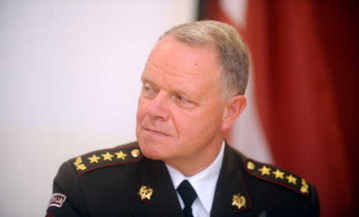Командующий Вооруженными силами Латвии преждевременно подал вотставку