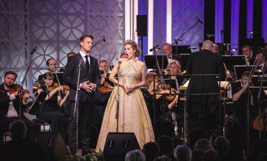 Foto: Dzintaru koncertzālē mirdz Kristīne Opolais un Pāvels Černohs