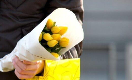 Тюльпаны, деньги, нищета. Почему 8 марта— это не только праздник