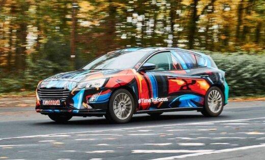 'Ford' parādījis pirmo attēlu ar jauno 'Focus' modeli