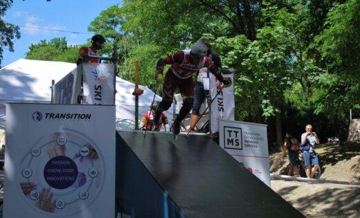 Miks Zvejnieks ieguvis Eiropas čempiona titulu skrituļslalomā