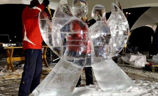 'Plusi' ledus skulptūrām Jelgavā nekaitēs, sola festivāla direktors
