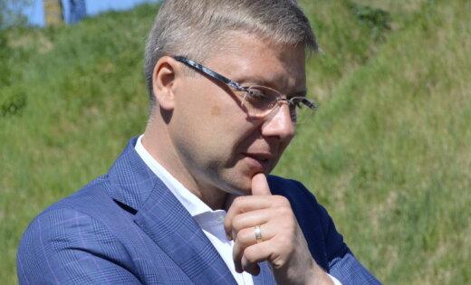 Ушаков не видит проблем в том, что встречался с представителями НАТО