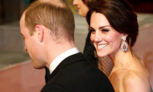 Princi Viljamu kritizē par ballēšanos Šveicē