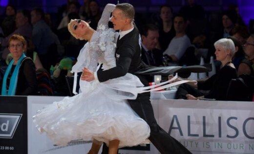 Somiem vēsturiska uzvara, Latvijai pusfināls pasaules čempionātā 10 dejās