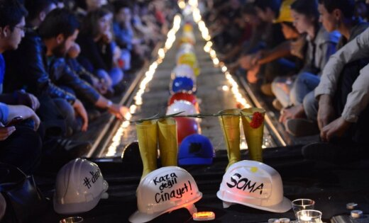 Turcijas tiesa piespriež ilgus cietumsodus lietā par 301 ogļrača bojāeju