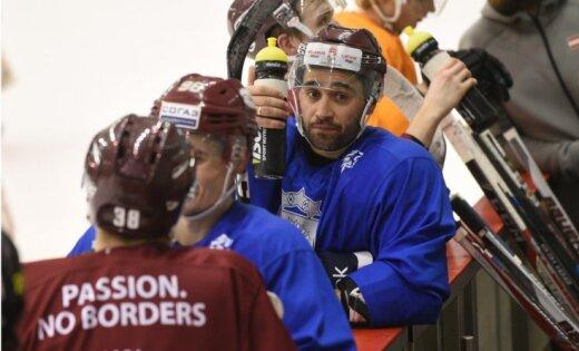 Latvijas hokeja izlase trešo darba nedēļu pirms PČ sāk bez izmaiņām kandidātu sarakstā