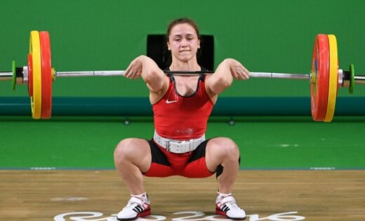 Koha triumfē pasaules svarcelšanas čempionātā junioriem