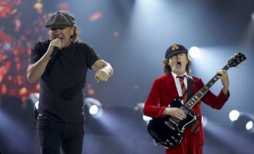 Вокалист AC/DC Брайан Джонсон прекратил участие в туре группы