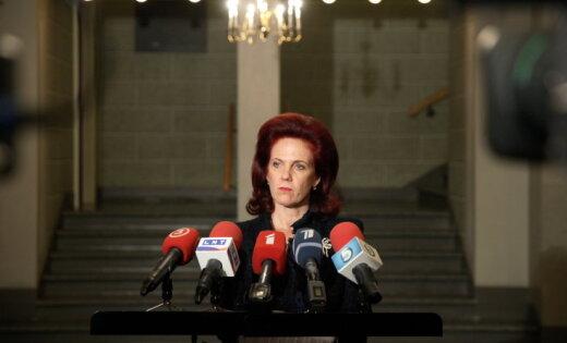 Āboltiņa neatklāj, vai atbalstīs Kučinska valdību, ja 'Vienotība' nedabūs TM