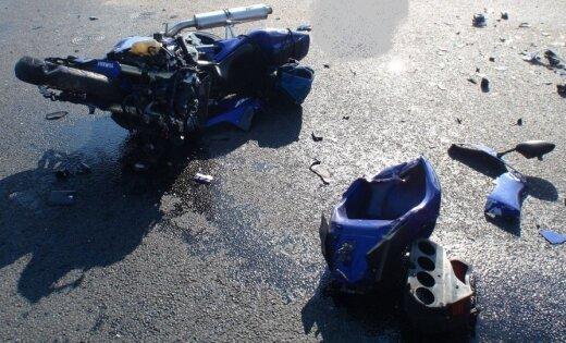 Avārijā Ķekavas novadā gājis bojā motociklists