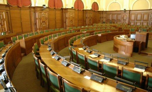 Aptauja: divas trešdaļas iedzīvotāju nemierā ar Saeimas darbu
