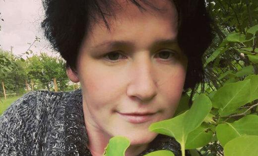 Kombuļu Inese iepriecina fanus ar rudenīgiem selfijiem