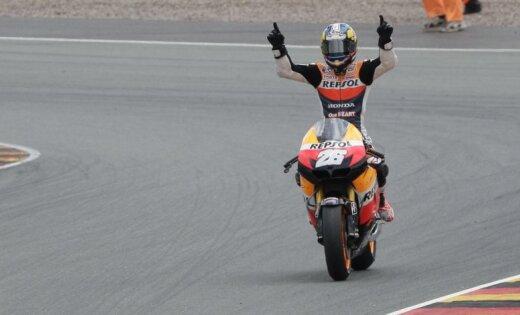 Pedrosa uzvar 'MotoGP' čempionāta Vācijas posmā