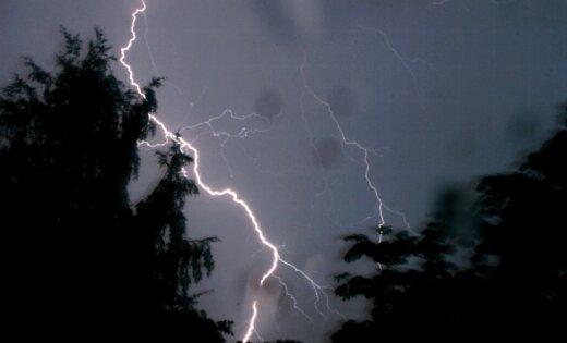 Aicina atcerēties par elektrodrošību negaisa laikā