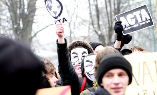 Tiesībsargs premjeram pārmet nepietiekamu dialogu ar sabiebrību pirms ACTA parakstīšanas