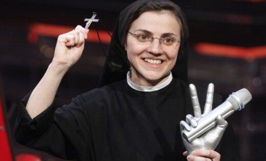 монашка первый раз видео