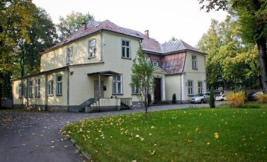 Senatne mums līdzās: 'Delfi' iepazīstina ar 11 Daugavas labā krasta muižām Rīgā
