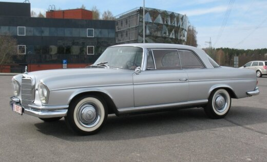 Pērn Latvijā reģistrēti vairāki desmiti skaistu vēsturisku automobiļu