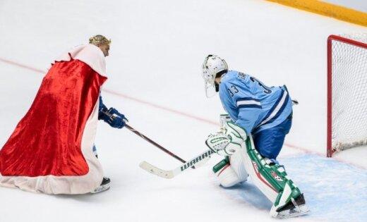 ФОТО: Индрашис принял участие в мастер-шоу звезд КХЛ в Астане