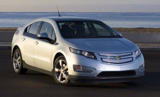 101-летний мужчина подарил жене электромобиль Chevrolet Volt