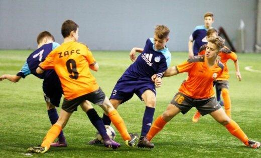 Foto: LFF Futbola akadēmijas ziemas posma cīņas U-14 vecuma grupā