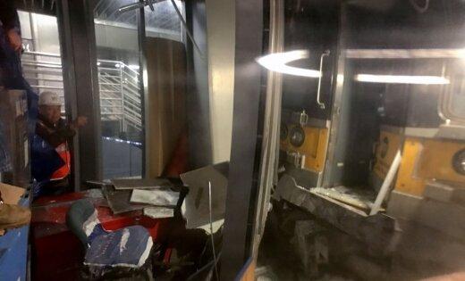 ВНью-Йорке сошел срельсов пассажирский поезд, пострадали 76 человек