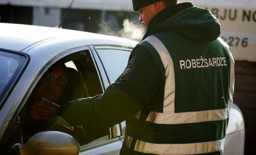 Lietuvas pilsoni pieķer ar viltotiem dokumentiem