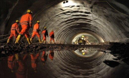 Būvnieki: tunelis zem Miķeļa kapiem nelaiķus neapdraudēs