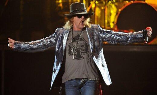 Прошлый лидер группы Guns'n'Roses Аксель Роуз официально стал вокалистом австралийской рок-группы AC/DC