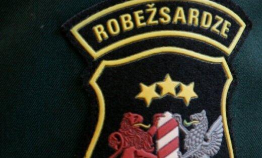 Robežsargi Liepājas ostā aiztur Baltkrievijas pilsoni ar zagtu auto