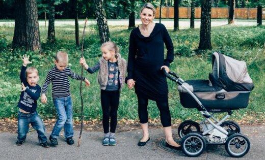 Dažādas un vienādas – 13 mammas ar lielo burtu