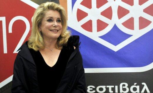 Катрин Денев в столицеРФ: «Нет, мне ненужен русский паспорт»