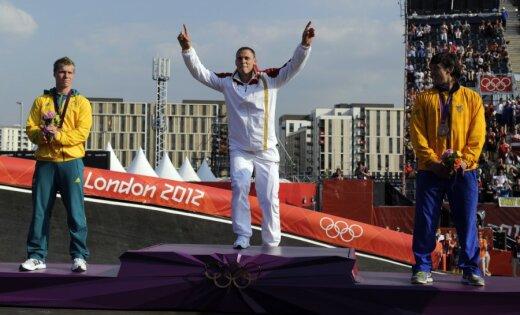 Fotoreportāža: Latvijas 'zelta puisēns' Štrombergs tiek sumināts par olimpisko čempionu