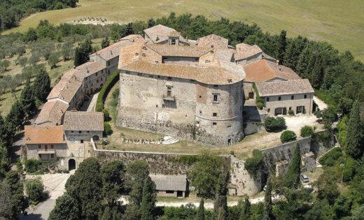 В Италии выставили на продажу целую деревню