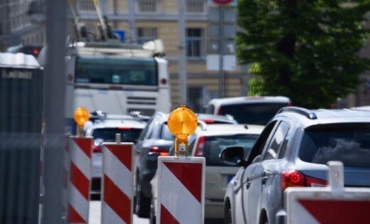"""Масштабный ремонт улиц: в Риге начинается """"сезон пробок"""""""