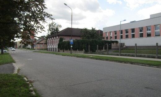 'Pieturas noņemšana ir katastrofa' – Daugavpils mikrorajona iedzīvotāji izmisuši par domes lēmumu