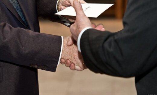 Доклад FinCEN: руководители ABLV Bank пытались взятками повлиять на должностных лиц Латвии