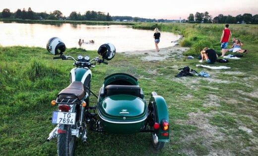 'Delfi' izmēģina: Ar blakusvāģi uz ezeru kā sendienās
