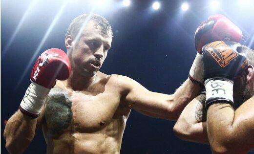 Briedis pēc punktiem izcīna uzvaru WBSS ceturtdaļfinālā un iegūst WBC dimanta jostu