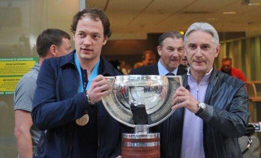 Krievijas hokejistus Maskavā sagaida vien simts līdzjutēju