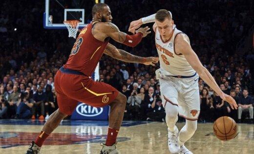 Porziņģim ar vāju precizitāti 20 punkti; 'Knicks' izlaiž uzvaru pret vicečempioni 'Cavaliers'