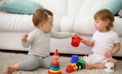 Kas būtu jāprot mazulim pēc gada vecuma un kad jāsāk uztraukties