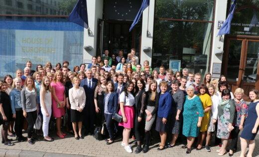 Par 'Eiropas Parlamenta Vēstnieku skolām' Latvijā pasludina 23 izglītības iestādes