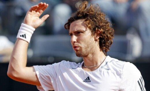 Gulbis viegli pārvar Dubaijas tenisa turnīra pirmo kārtu