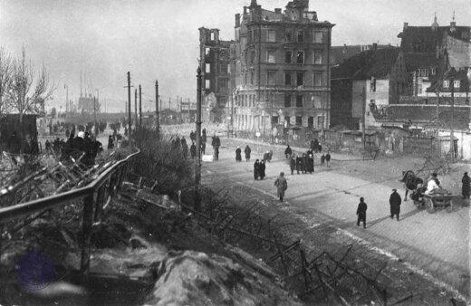 """Что это — """"день Лачплесиса"""", или Как осенью 1919 года Рига сражалась с армией Бермондта"""