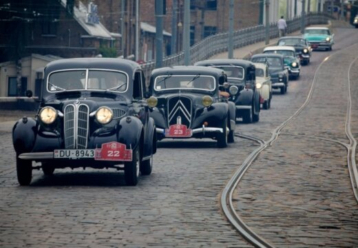 Sestdien notiks seno spēkratu salidojums 'Rīga Retro 2013'