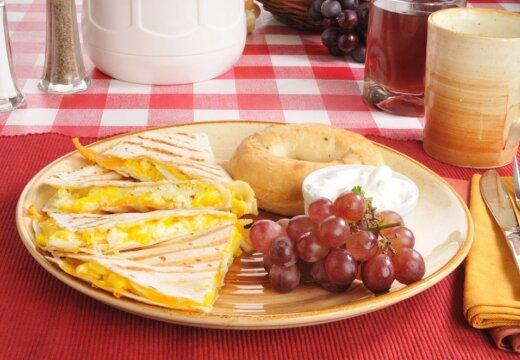 Готовим толстый омлет, как в советской столовой: 2 простых рецепта
