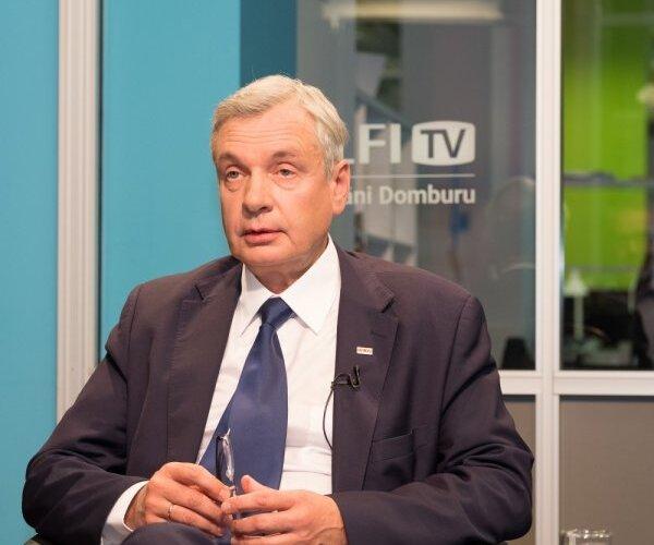 'Delfi TV ar Jāni Domburu': izglītības un zinātnes ministrs Kārlis Šadurskis. Intervijas teksts